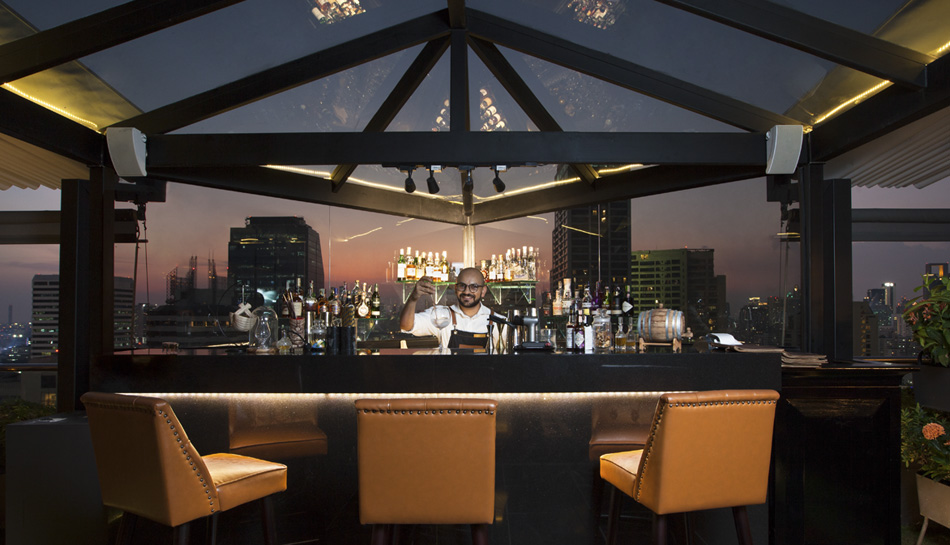 1826 Mixology & Rooftop Bar